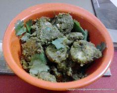 kalakkalsamayal: Vazhakkai coconut masala curry tastes very good if done with fresh unripe banana Banana Curry, Raw Banana, Vegetable Curry, Palak Paneer, Vegetarian Recipes, Southern, Coconut, Tasty
