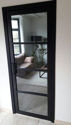 Afbeeldingsresultaat voor steel look deur zwart House Main Door, House Entrance, Glass Office Doors, Modern Wooden Doors, Bedroom Ceiling, Kitchen Doors, Scandinavian Interior, Living Room Designs, Interior And Exterior