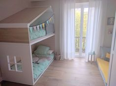Litera infantil con forma de casita de aires nórdicos personalizable - Minimoi (Joana Octavio Olaetxea)