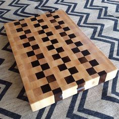 Black-Walnut-and-Maple-end-grain-cutting-board