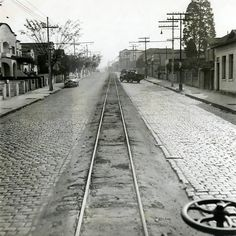 Idos de 1940 - Rua Alfredo Pujol no bairro de Santana.