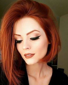 Popular Short Haircuts 2018 – 2019 Popular Short Haircuts 2018 – hort haircuts are possessing a foremost era at this moment. From iconic pixie cut to bangs and fringes,. Hair Color Auburn, Auburn Hair, Red Hair Color, Auburn Bob, Color Red, Popular Short Haircuts, Short Hairstyles For Women, Straight Hairstyles, Easy Hairstyles
