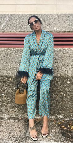 😍Inspiring look from Laura Eguizabal - The fabulous staples inspired from light turkish blue casual suits in satin, patterned yellow spots as million suns to brighten up an Autumn day! My Outfit, Outfit Of The Day, Unique Fashion, Womens Fashion, Sophisticated Outfits, Casual Suit, Personal Shopping, Muslim Fashion, Zara Dresses