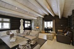 Velkommen til Østlaft AS Outdoor Furniture Sets, Outdoor Decor, Conference Room, Interior, Table, Home Decor, Decoration Home, Indoor, Room Decor