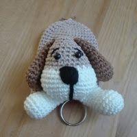 Sil's Corner: Patroon sleutelhanger/hoesje hond Baby Knitting Patterns, Crochet Patterns, Crochet Keychain, Key Covers, Crochet Stitches, Dog Love, Lana, Free Crochet, Cute Dogs