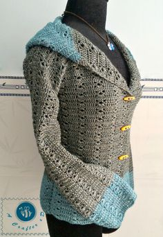 I have many requests about adding sleeves to the Women's Hooded Vest pattern. The sleeves part for this pattern is fairly easy, it's also a great option for Winter time. Click here to <3 this pattern on Ravelry Materials: ( I used ) 3.25mm crochet hook Light weight/ DK yarn: mohair ( 500 gr for …