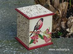 Smile Arty Handmade Gifts - Perfect for Mothers Day, Show Your Crafts and DIY Projects. Easy Diy Gifts, Homemade Gifts, Bird Boxes, Teacher Favorite Things, Vintage Birds, Decoupage, Diy Projects, Outdoor Decor, Smile
