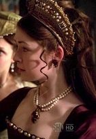 Princess Mary as played by Sarah Bolger Tudor Fashion, Fashion Tv, Mary I, Queen Mary, Princess Elizabeth, Princess Mary, Los Tudor, The Tudors Tv Show, Medieval Hats