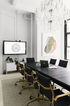 Before + After: This New Office Space Is So Stylish Youu0027ll Wish You Lived  Here