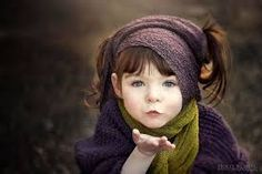Mother Takes Inspiring Photos Of Her Beautiful One-Handed Daughter - Holly Spring Photography.