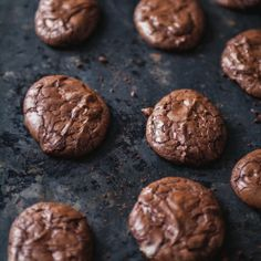 Biscuits au chocolat – Trois fois par jour Cookies + chocolate + very good but you have to add a little more flour to the mixture because it is too liquid Bon Dessert, Breakfast Dessert, Desserts With Biscuits, Dessert Biscuits, Cookie Recipes, Dessert Recipes, Food Crush, Galletas Cookies, Biscuit Cookies