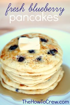 Fresh Blueberry Pancakes Recipe from TheHowToCrew.com.  These pancakes come out perfect every time! #recipes #pancakes #blueberry