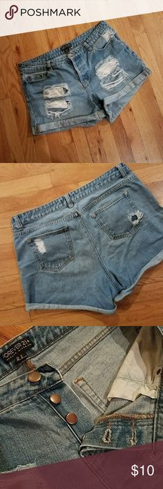 F21+ Distressed Denim Shorts Kept in perfect condition, easy to wear and comfortable! Forever 21 Shorts Jean Shorts