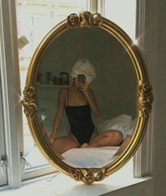 Vintage girl photography models style New Ideas Foto Mirror, Mirror Mirror, Foto Casual, Look Girl, Foto Art, Foto Pose, Belle Photo, Pretty, Beautiful
