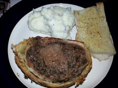 Beef welligton with garlic bread & mashed potato