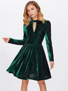 SheIn offers Double Keyhole Velvet Dress & more to fit your fashionable needs. Trendy Dresses, Nice Dresses, Casual Dresses, Short Dresses, Dress Long, Green Velvet Dress, Velvet Midi Dress, Satin Dresses, Lace Dress