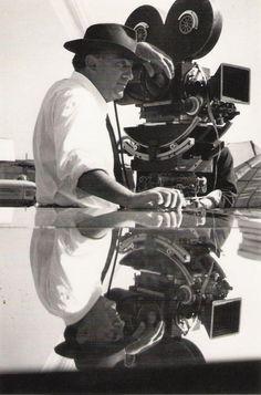 Federico Fellini ( Rimini , 20 January 1920 - Rome , 31 October 1993 ) was a film director and screenwriter Italian. Winner of four Oscars for best foreign film Deco Cinema, Fellini Films, Sophia Loren, Marcello Mastroianni, Photo Star, Film Studio, Foto Art, Great Films, Janis Joplin