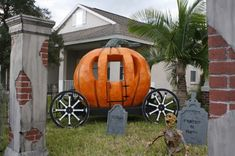 AMAZING pumpkin hearse made by Halloween forum member Sinister Sid