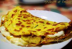 L'omelette con patate e stracchino è un secondo piatto completo e sostanzioso, ideale per una cena veloce ed economica. Il ripieno di patate e stracchino..
