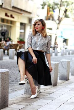 The crop shirt and the midi skirt Crop Shirt, Midi Skirt, Fashion Bloggers, Romania, Lady, My Style, Skirts, Outfits, Collection