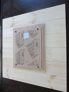 This 21x21 inch plank frame comes with precut, presanded and assembled wood planks with 3 mats, 8x10 plexiglass, decorative screws and hanging hardware
