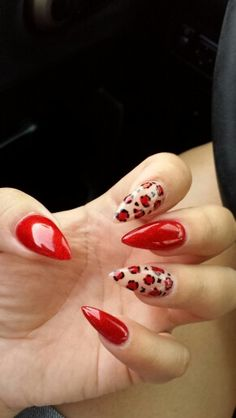 Red cheetah (almond shape instead of stiletto) Glam Nails, Fancy Nails, Love Nails, Red Nails, Beauty Nails, Leopard Print Nails, Red Cheetah Nails, Cheetah Nail Designs, Red Nail Designs