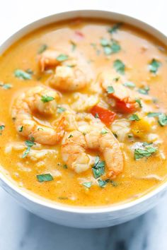 IN LOVE WITH THIS SOUP! Easy Thai Shrimp Soup - Skip the take-out and try making this at home - it's unbelievably easy and tastier and healthier! Thai Shrimp Soup, Shrimp Dishes, Thai Soup, Food Shrimp, Spicy Shrimp, Shrimp Pasta, Asian Shrimp Soup Recipe, Red Curry Shrimp, Healthy Recipes