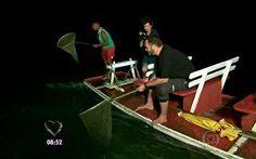 Pesca da agulhinha: dupla de mochileiros partem para pescaria noturna