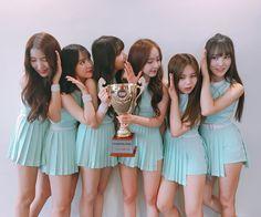 G-Friend is this week's winner of MBC Music's 'Show Champion'!The girl group took their second win for ''Love Whisper'' on the August 9 broad… South Korean Girls, Korean Girl Groups, Cloud Dancer, Fandom, Summer Rain, G Friend, Bridesmaid Dresses, Wedding Dresses, Fantasy Girl