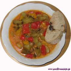 Gurken Gulasch  Gurkengulasch kann man als Suppe, oder mit Kartoffeln als Gulasch essen glutenfrei