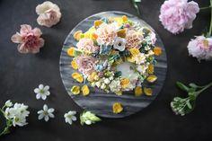 ㅡ Endearing. Soo. 카네이션케익 프리티. 귀여운. 컨셉. ㅡ #flower #cake #flowercake #partycake #birthday #weddingcake #buttercreamcake #buttercream #designcake #soocake #플라워케익 #수케이크 #꽃스타그램 #버터크림플라워케이크 #베이킹클래스 #플라워케익클래스 #생일케익 #수케이크 #카네이션케이크 #카네이션 www.soocake.com vkscl_energy@naver.com