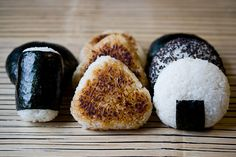 Three Shapes of Onigiri - I SO HARDLY want some Onigiris from the japanese restaurant of my town now, but have no caaaarrr, THANKS PINTEREST ! >.