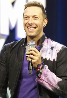 Chris Martin's daughter, Apple, gave him the cutest Super Bowl pep talk — find out what she said here