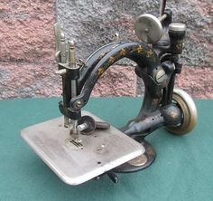 Antique Vintage National Sewing B. Eldredge Automatic Treadle Sewing Machine