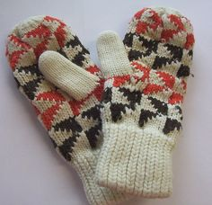 https://flic.kr/p/5Eh4R9 | Mittens | These mittens are 44 years old. I got them when I was 13 when I rode my pushbike to high school to keep my hands warm. They have been used many many times over the years and are still as warm as ever.