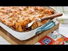 Paste cu pui la cuptor (CC Eng Sub) Chicken Pasta Bake, Romanian Food, Summer Recipes, Food Videos, Pesto, Macaroni And Cheese, Main Dishes, Food And Drink, Favorite Recipes