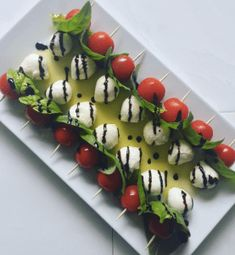 Caprese salad skewers with balsamic glaze Caprese salad skewers . - Caprese salad skewers with balsamic glaze Caprese salad skewers - Caprese Salad Skewers, Caprese Salat, Tomato Mozzarella Skewers, Ensalada Caprese, Holiday Appetizers, Appetizer Recipes, Simple Appetizers, Mini Appetizers, Appetizers For Christmas Party