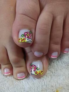 70 Trendy Spring Nail Designs are so perfect for this season Hope they can inspire you and read the article to get the gallery. Pedicure Designs, Pedicure Nail Art, Toe Nail Designs, Toe Nail Art, Cute Spring Nails, Summer Nails, Cute Pedicures, Feet Nails, Luxury Nails