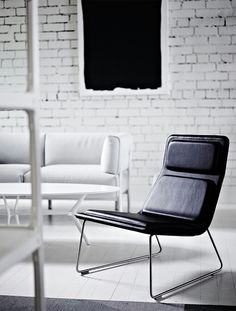 Low Pad Chair by Jasper Morrison | Capellini. Photography Lisa Cohen