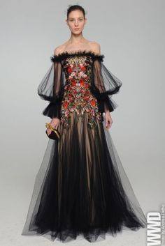 Alexander McQueen Pre-Fall 2012- Perfection! Hey! that's what my hair does too