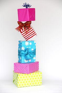 how to make Seuss-like diagonal christmas present stacks, ala The Grinch. Grinch Christmas decorations