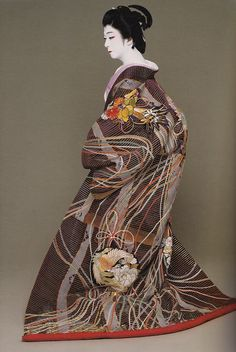 prior pinner: BANDO Tamasaburo, male Kabuki legend, photo by Kishin SHINOYAMA, Japan
