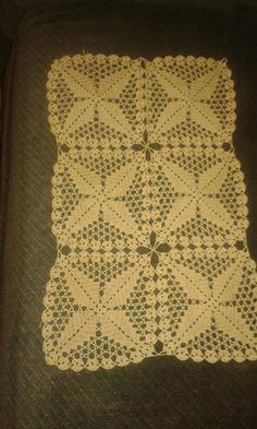 Hackovana prikyvka zo stvorcovych motivov (mat. kordonet) Blanket, Crochet, Crochet Hooks, Blankets, Crocheting, Carpet, Thread Crochet, Hooks, Quilting