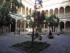En octubre de 2006 se inauguró un nuevo edificio para las Facultades de geografía, historia y filosofía en el barrio del Raval de Barcelona. Igualmente, estos últimos años se han llevado a cabo importantes mejoras en muchos de los otros edificios de la Universidad, y está en marcha el Plan Horizonte 2020.