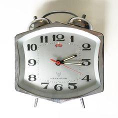 What These Old Things Online Vintage Shop Vintage Beauty, Vintage Fashion, Retro Clock, Vintage Home Decor, Radios, Alarm Clock, Vintage Shops, Clocks, Cameras