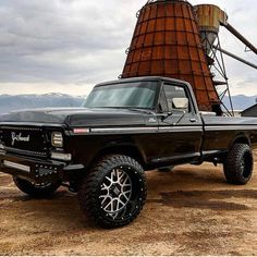 old lifted trucks 1979 Ford Truck, Old Ford Trucks, Old Pickup Trucks, Big Trucks, Ford 4x4, Ford Diesel, Diesel Trucks, Black Truck, Classic Ford Trucks