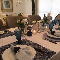 Mesa do dia para um churras de aniversário!! Lindo esse azul ne?! 💙💙 #boatarde #interiores #decor #details #detalhes #decoracao #decorating #decoracaodeinteriores #architect #arquitetura #arqmbaptista #arquiteturadeinteriores #mesaposta #marianemarildabaptista