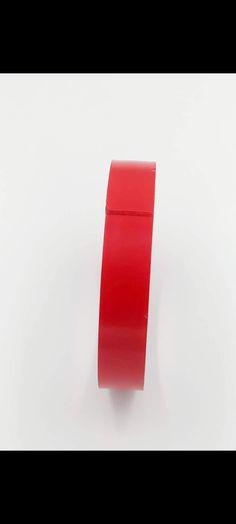 Banda dubla adeziva 20 mm  material acril  ungimea aproximativ 3M  utilizata pentru diverse decoratiuni interioare si exterioare ,si pentru majortatea ornamentelor auto. Lipstick, Led, Beauty, Cement, Simple Lines, Lipsticks, Beauty Illustration