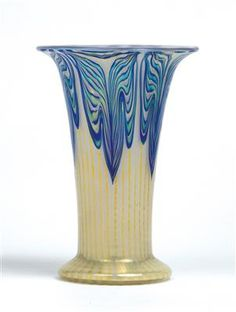 A vase, Johann Lötz Witwe, Klostermühle, c. 1900 - Jugendstil and Century Arts and Crafts - Realized price: EUR - Dorotheum Art Nouveau, Art Deco Glass, Glass Vessel, Colored Glass, Sculpture Art, Clear Glass, Metal, Iridescent, Arts And Crafts
