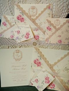 Partecipazioni shabby pizzo e rose. Wedding invitations with lace and roses. #wedding #wedding invitations